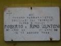 Lapide Roberto e Rino Giuntoni sul Casotto del Lillo