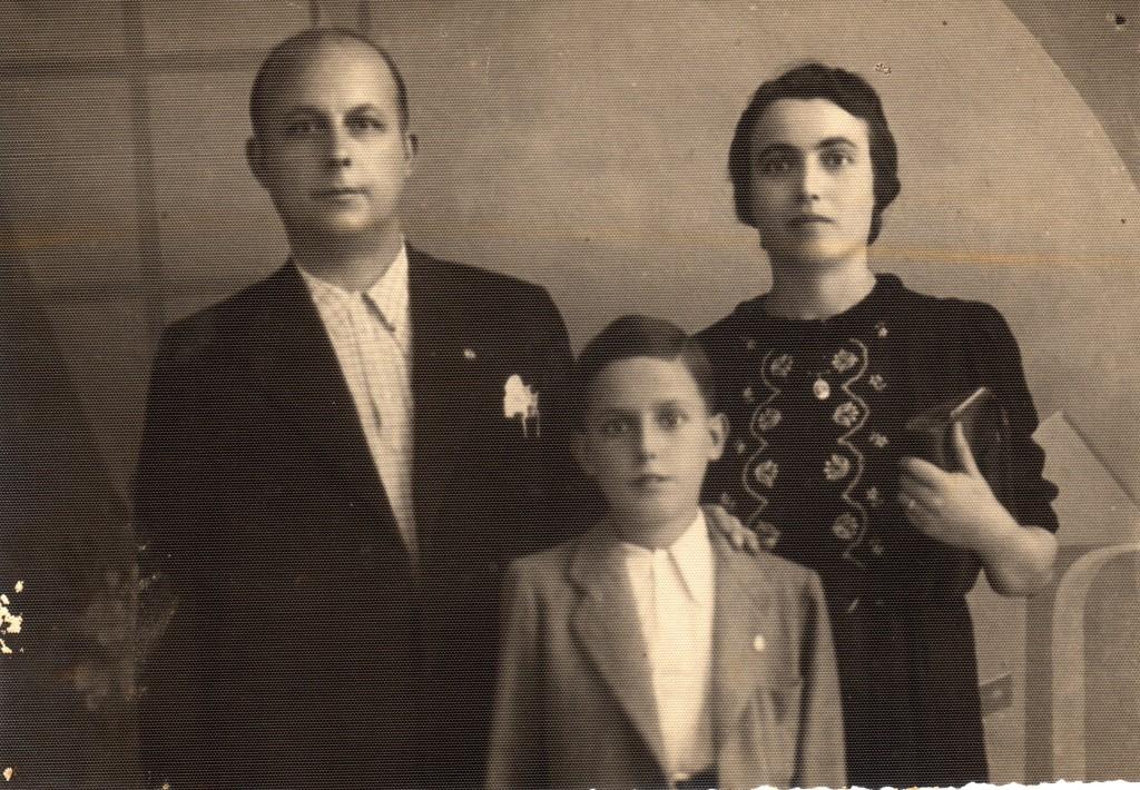 Carlo Brinati, Celia Cioli e Giovanni Brinati in una foto scattata il 15 ottobre 1939